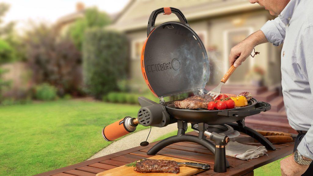 O-Grill可攜式瓦斯爐還可以使用噴槍,搭配在戶外燒烤